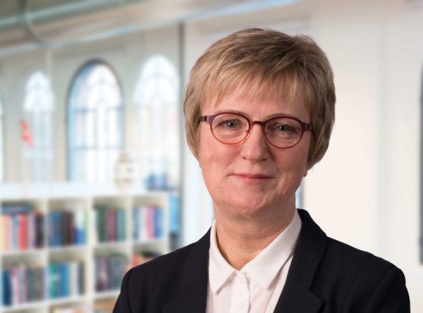 Kirsten Isager Advokatsekretær advokat Horsens familieret testamente