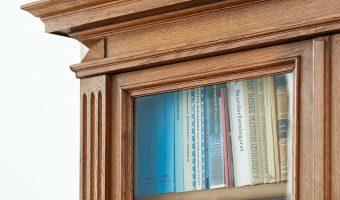 Bøger bogreol advokat lovsamling privatret